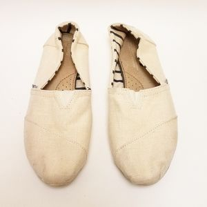 Toms Slip On Shoes Size 10 Canvas Cream